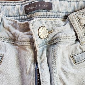 Kendall & Kylie Shorts - Kendall and KylieLight high wasited  K&K